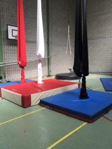 Les ados en piste/atelier cirque /Éc.Ci.Vol
