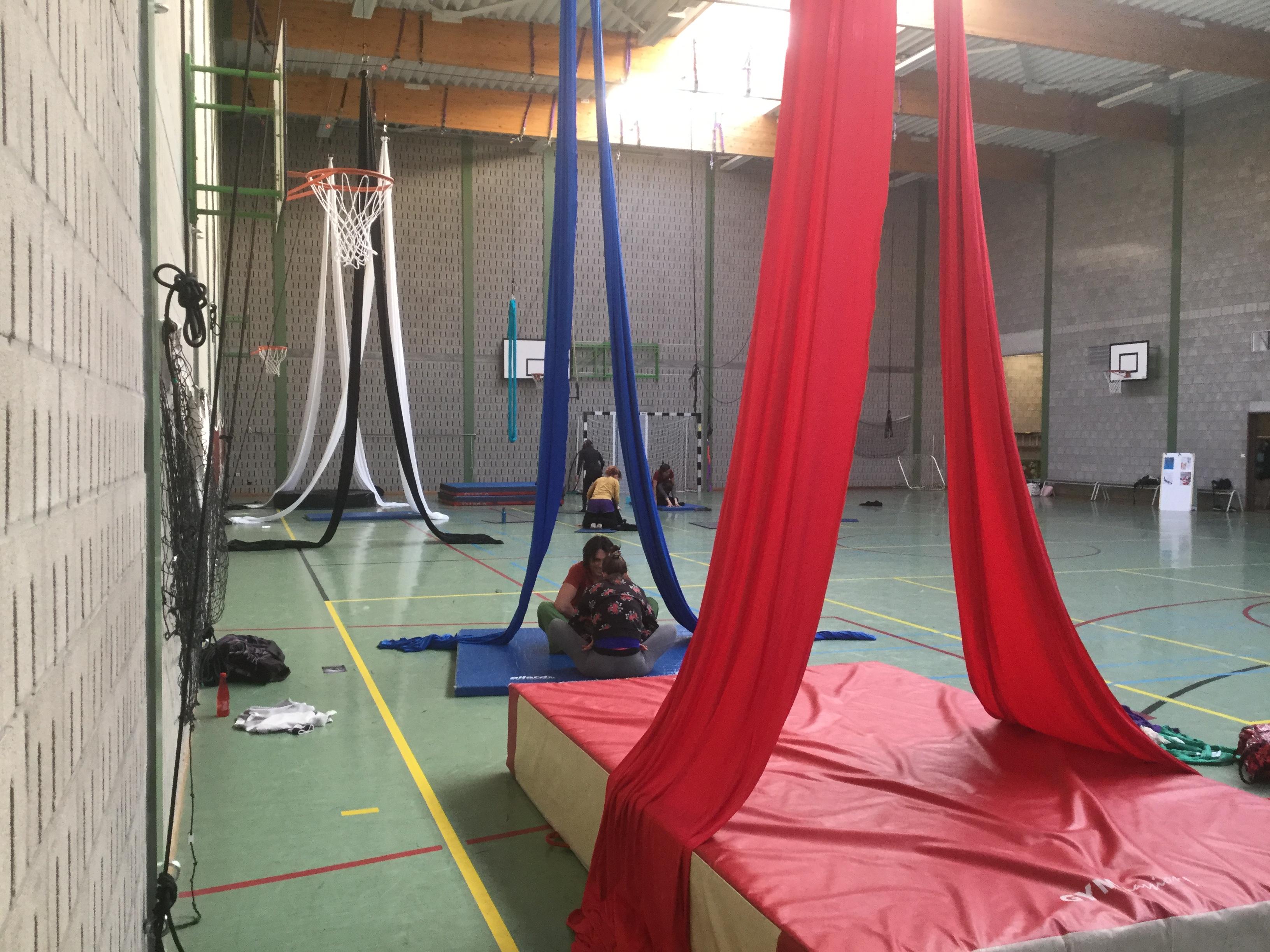 Espaces et atelier cirque: rencontres, échanges & créations